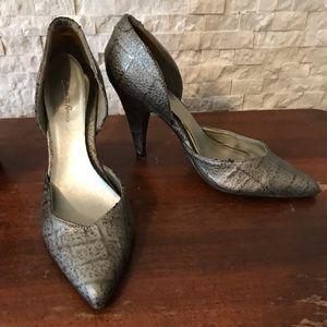 Shoes - Snakeskin heels